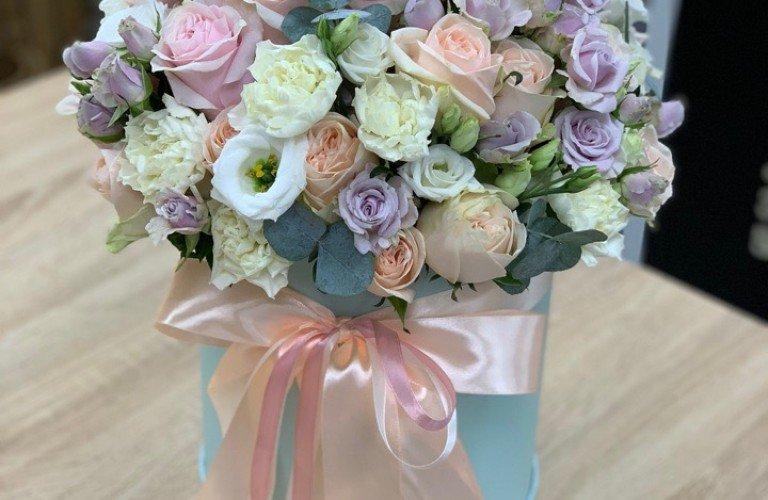 Цветы в коробке Славянка