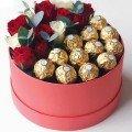 Коробки с цветами и сладости